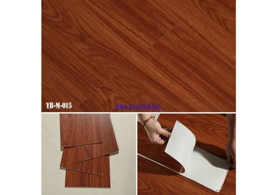 Mẫu sàn nhựa bóc dán vân gỗ màu 15