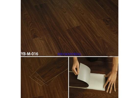Mẫu sàn nhựa bóc dán vân gỗ 16